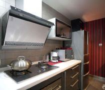 经济适用半敞开式厨房简约风格橱柜装修图片
