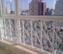 家装封闭阳台不锈钢护栏图片
