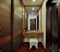 新古典注意风格卫生间咖啡色门装修效果图欣赏
