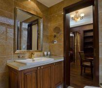 橡木浴室柜简约吊顶厕所装修图片
