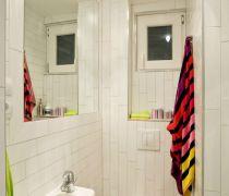 70平米旧房翻新小卫生间装修效果图
