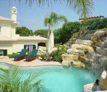世界上最豪华的别墅阳台假山图片