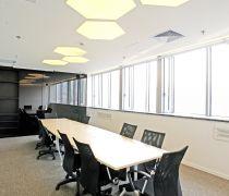 清新的会议室不做吊顶装修效果图